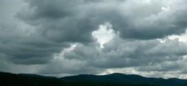 Oblaka – pouze voda, led a řada drobných pevných částic